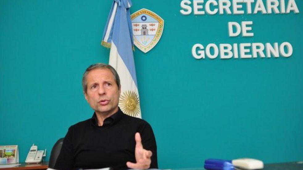 el secretario de Gobierno Damián Bernarte